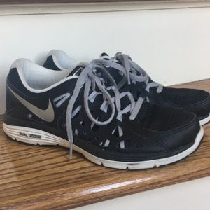 Nike dual fusion run 2 barely worn